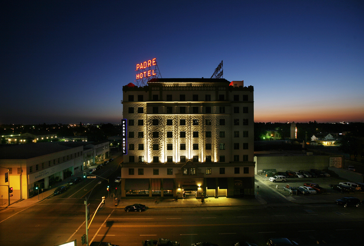 The Padre Hotel, Twilight, 2009
